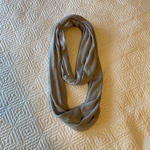 Accessories - Infinity scarf w/ zipper pouch